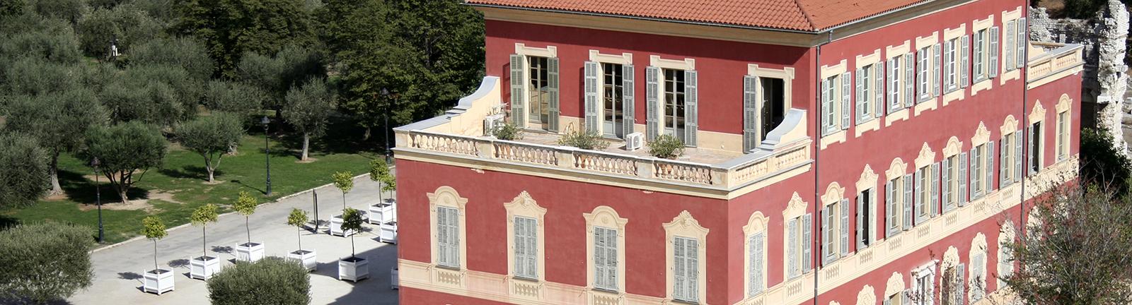 Musée Matisse, Nice - Façade ouest et sud du musée, vue générale Photo : A Vol d' Oiseau / Droits réservés