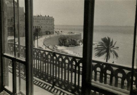 Vue du balcon de l'appartement sur Rauba-Capeù, Nice, vers 1929