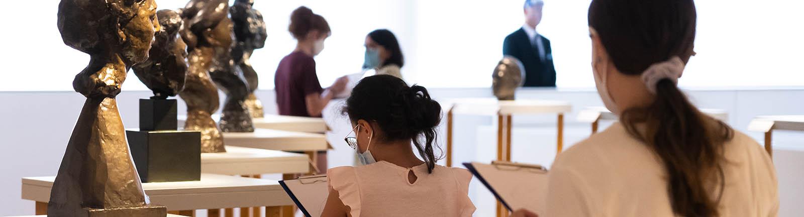Etudiants durant un atelier de croquis